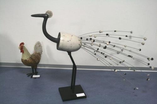 Annamarie + Vic Zumsteg, Paradiesvogel (Annamarie Zumsteg), Decorative Art