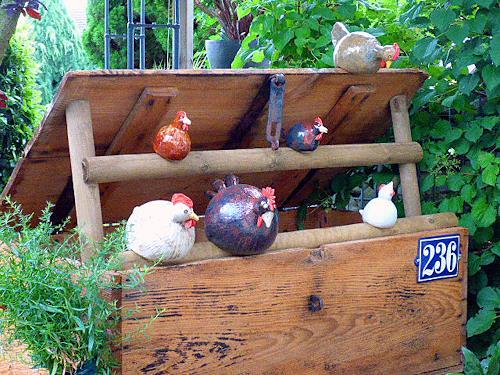 Annamarie + Vic Zumsteg, Chicken coop / Hühnerstall  (Annamarie Zumsteg), Fantasy, Animals: Land, Abstract Art