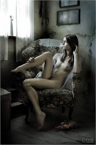 Corwin von Kuhwede, das gefallene Kind, Erotic motifs: Female nudes, Photo-Realism, Expressionism