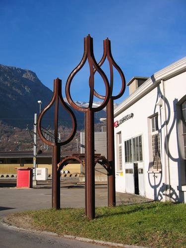 e.w. bregy, eisenplastik: dreitunnelkönige, Symbol, Abstract Art