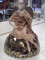 Helene, Engel auf Halbkugel mit Antikspiegel