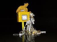 BERTOLOMEOS, Flaschenpostbriefkasten mit Flaschenpostfrau